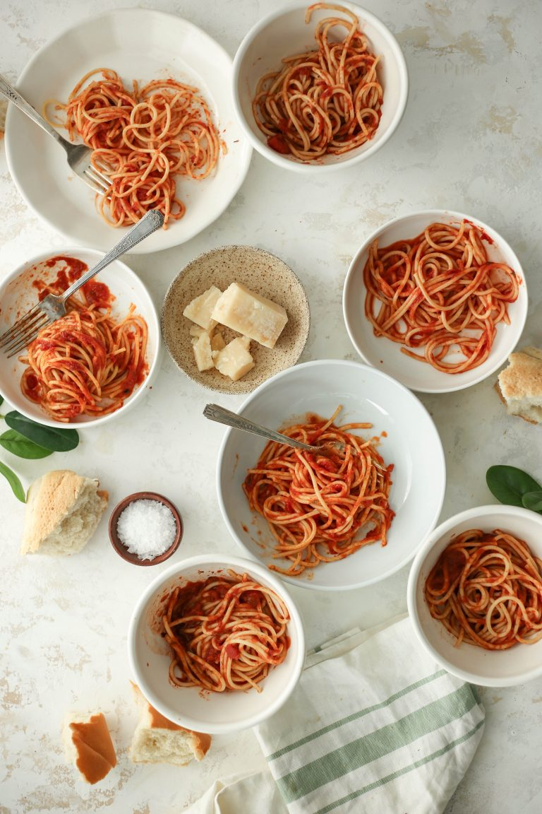 taste test 7 marinara pasta sauces from the grocery store - this is the jar we'll have in our pantry all year round